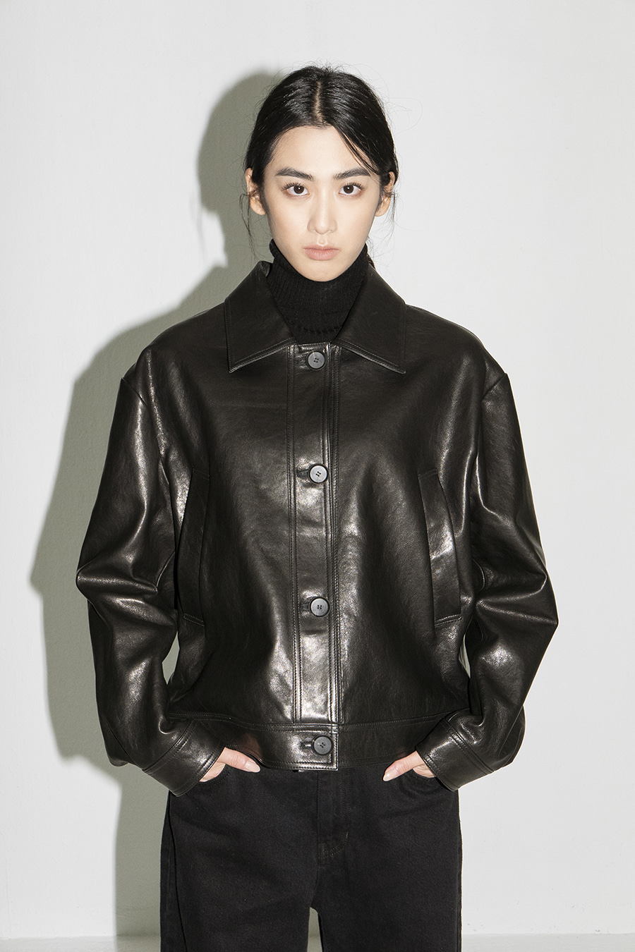[4th RE-ORDER] Leather cropped JK BK (홍진경님 착용)